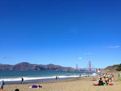 Photo : Plage avec vue sur le pont du Golden Gate