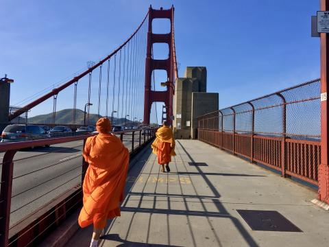 Marcher sur le Golden Gate Bridge