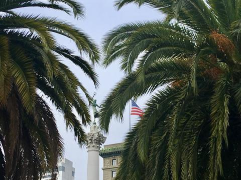 [Photo : Union Square Downtown San Francisco]